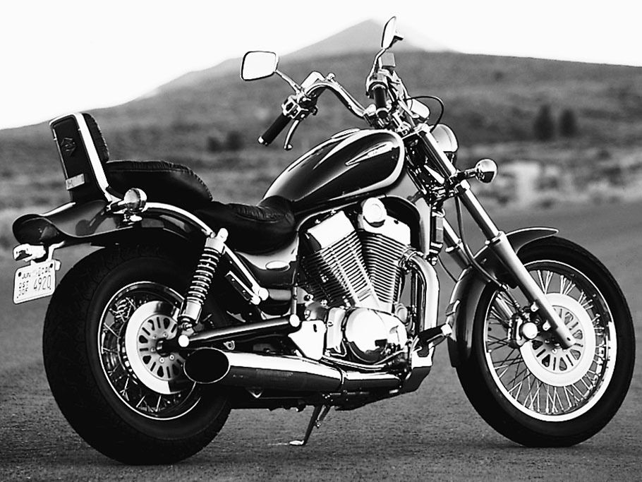 Big Twin Rumble Suzuki 1400 Intruder Vs1400 Motorcycle Cruiser