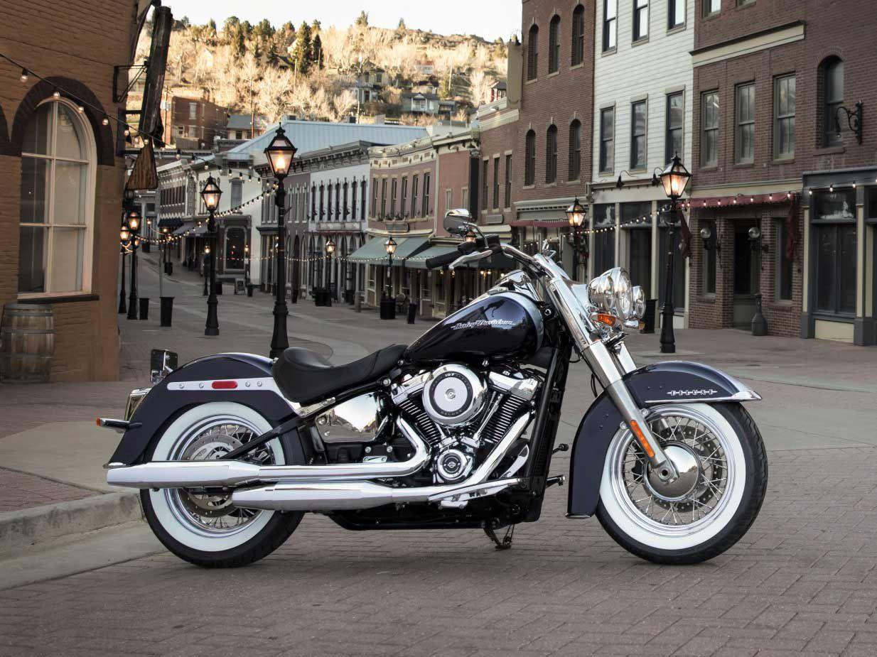 H-D has also chosen not to bring back the Softail Deluxe for 2021.
