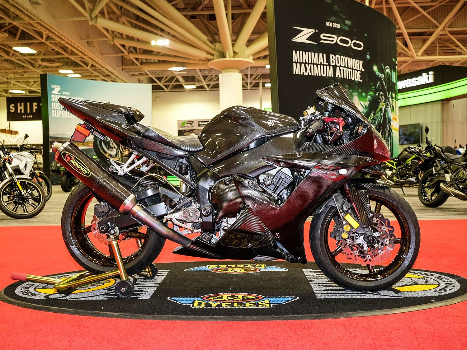 Johann Jack Inc.'s 2003 Yamaha YZF-R1 packing an Öhlins shock, Brembo brakes, carbon fiber Akrapovič exhaust, and carbon fiber BST wheels was named runner-up.