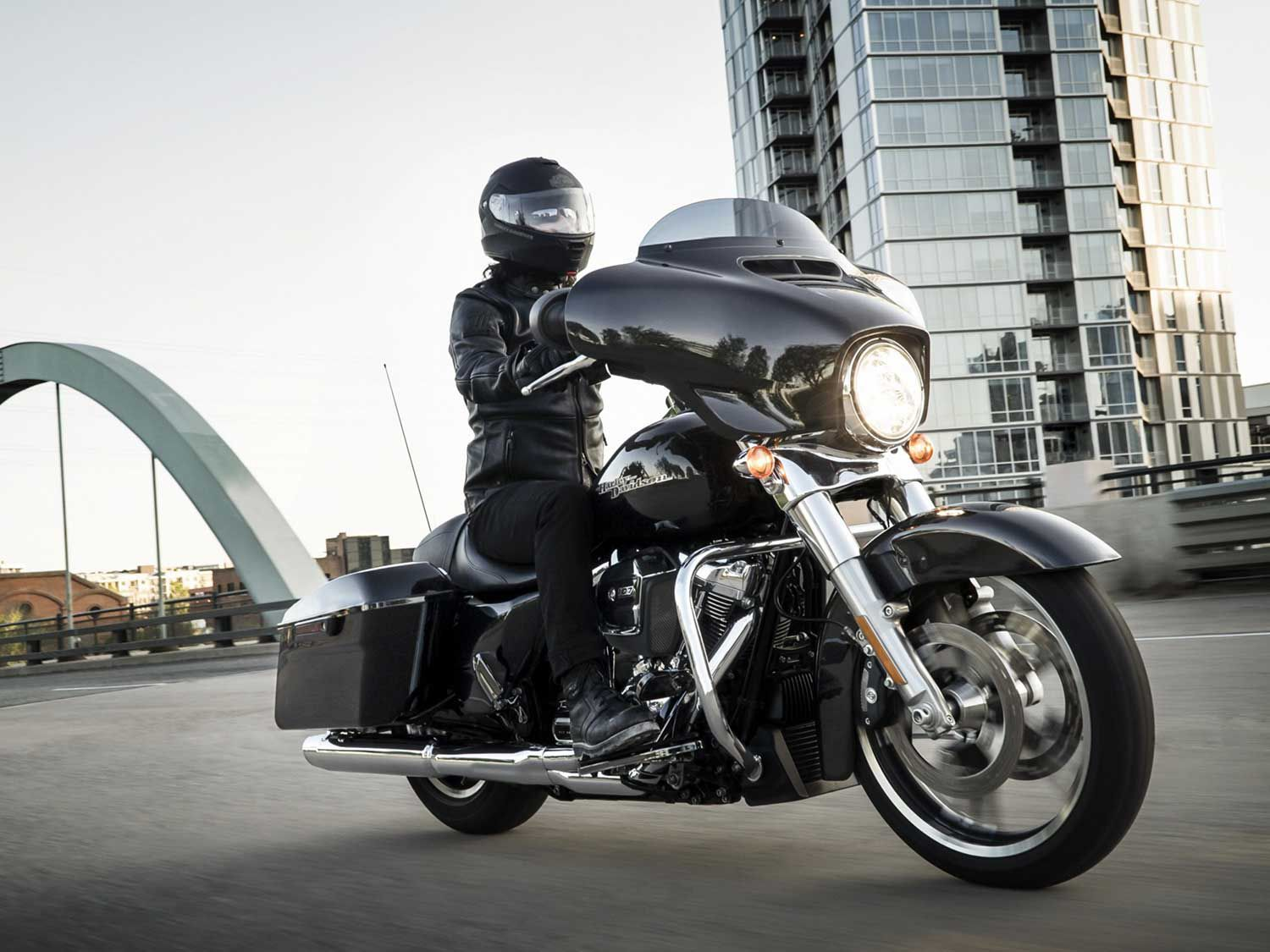 The Street Glide has been a chart-topper for years, but challengers to its throne are starting to stack up. Take a look at some other bagger options below.