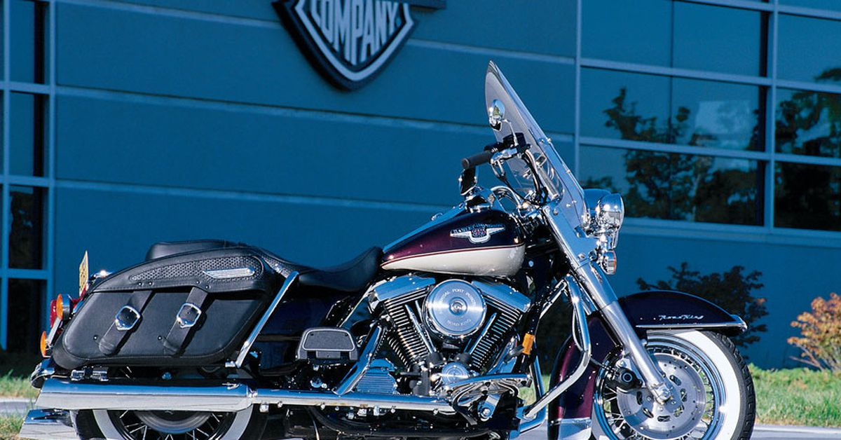 1998 Harley Davidson Celebrates 95 Years With A New Road King And Updated Sportster 1200 Motorcycle Cruiser