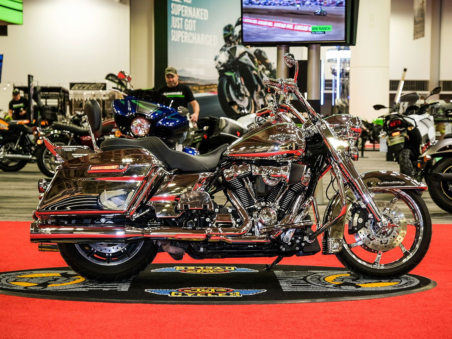 IMS attendees voted Barry Zelickson's 2017 Harley Road King as the People's Choice winner with its unique mix of chrome and skulls.