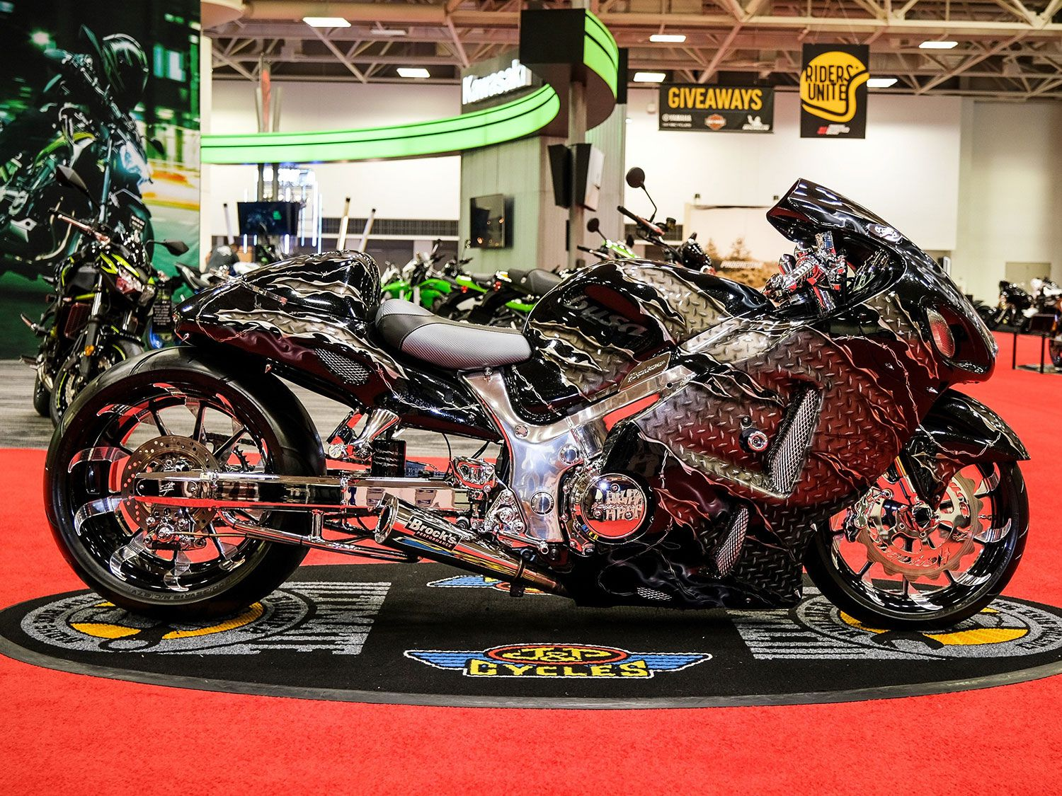 Juan Rodriguez of JR Customs with painter JP Customs took home first in Custom Street with a 2004 Suzuki Hayabusa featuring a molded windscreen, a 300-fat tire kit with Tornado wheels, and polished chrome frame.