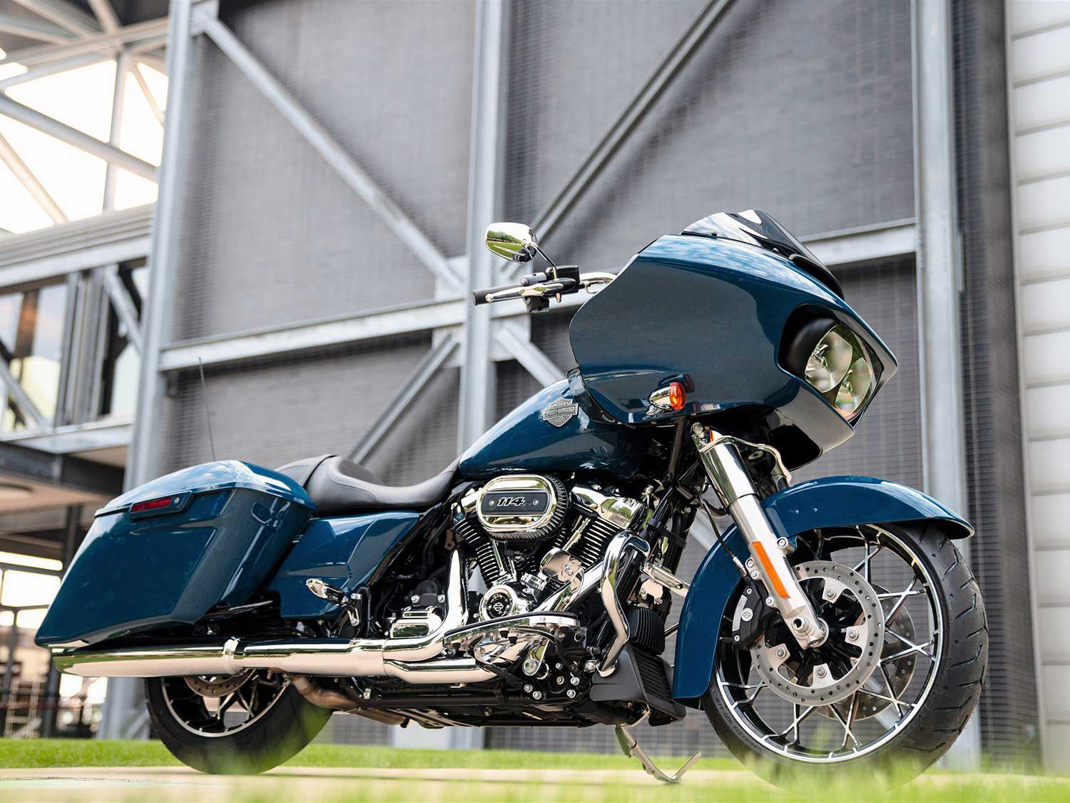 The Touring line saw no cuts to its nine-model series, but H-D did switch up clutch actuation across the line.