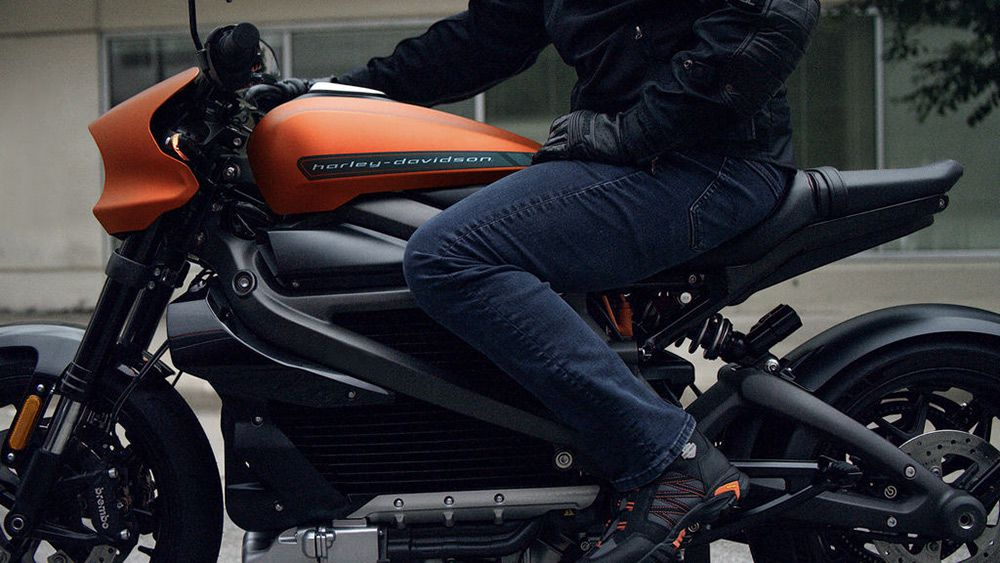 Meanwhile, we're already aware of the fact that LiveWire's electric powertrain requires no clutch and no gear shifting, making it an easier nut to crack for new riders. The added bonus of the power regeneration mode means it can add charge to the battery, especially in stop-and-go urban traffic.