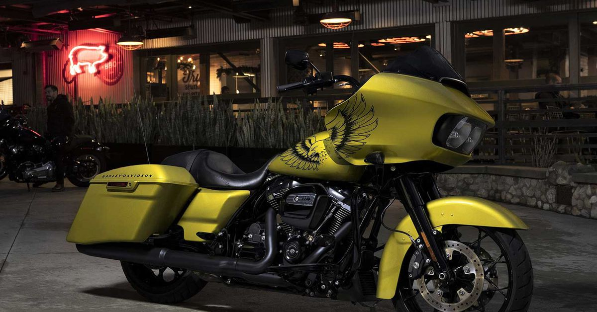 Harley Reveals Eagle Eye Paint Option For The Road Glide Special