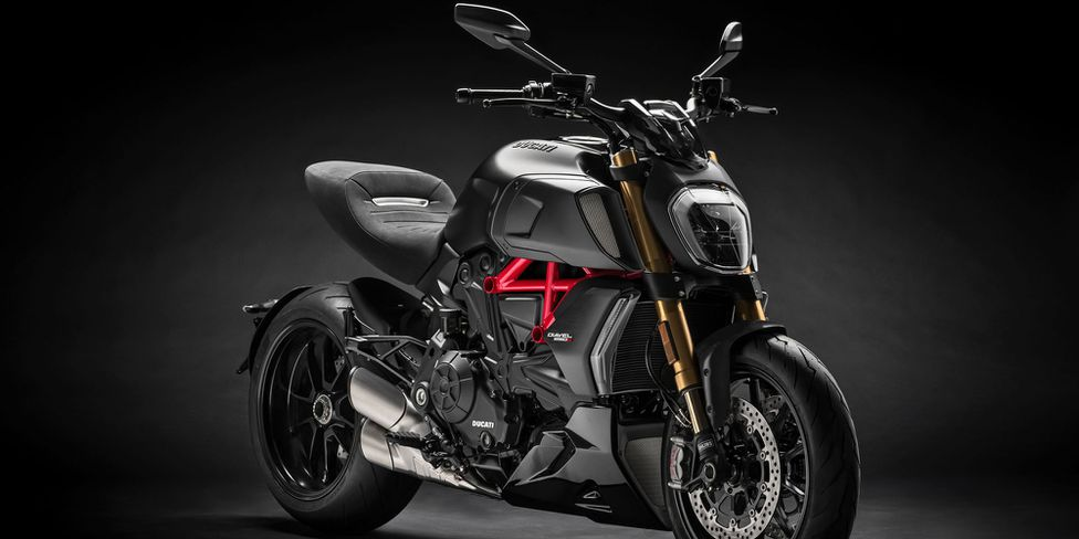 The New, More Powerful 2019 Ducati Diavel 1260 Is Here | Motorcycle