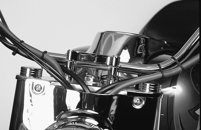 Chrome Plated Chrome Billet Aluminum Vintage 2 Risers Clamps for 1 Handlebars Classic Motorcycle Harley Chopper Bobber Cafe Racer
