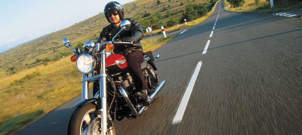 First Ride Review Of The 2003 Triumph Speedmaster Motorcycle Cruiser
